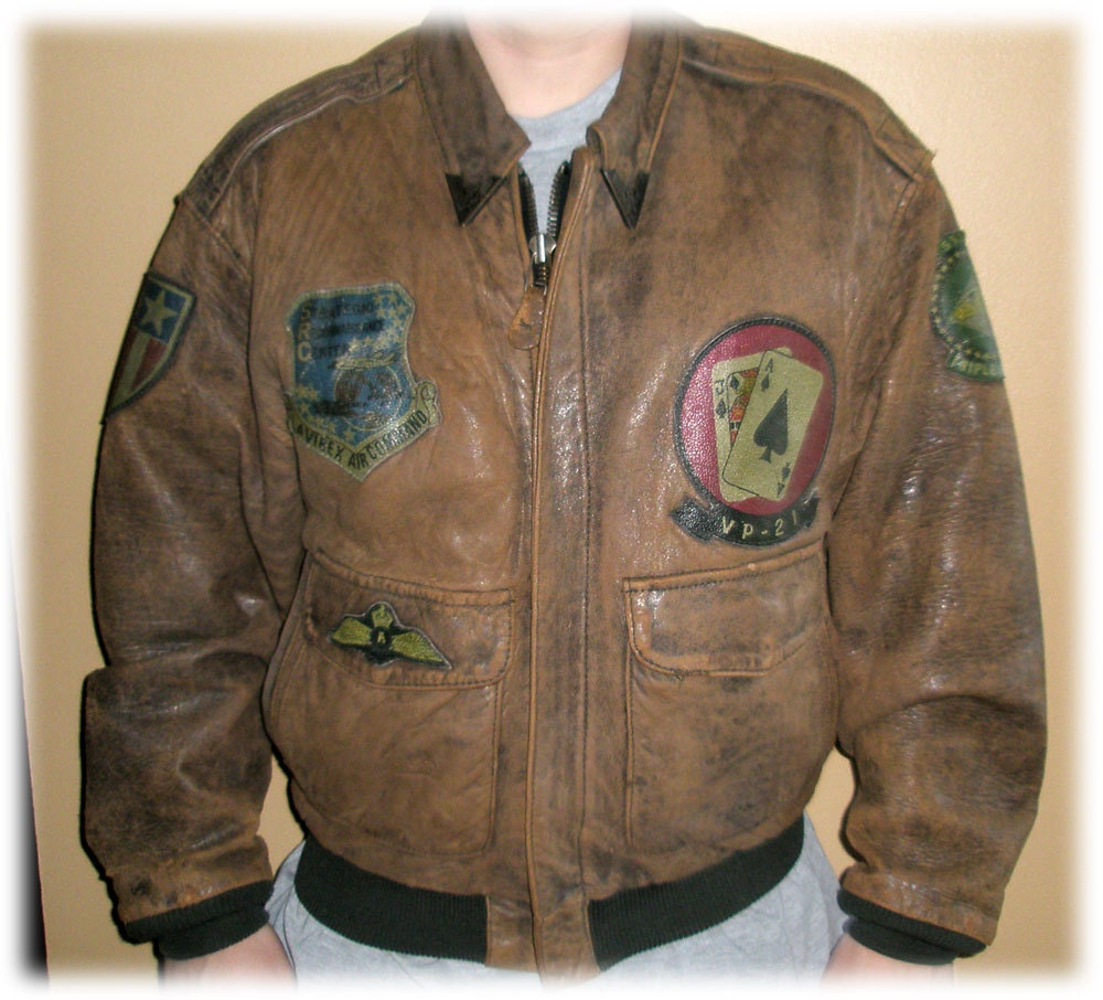 Vintage 1980s Avirex A-2 Leather Flight Jacket Bomber US Army