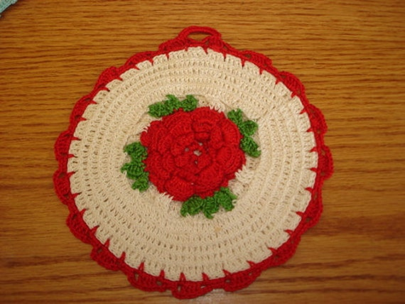 Vintage Red White and Green Rose Crocheted Pot Holder Hot Pad