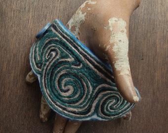 The New Nouveau No. 005 - Handmade Wool Wristcuff