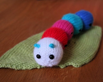 Knit your own baby caterpillar with leaf (pdf pattern)