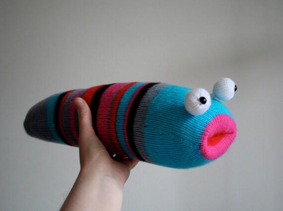 Knit your own Ravenous Slug (pdf knitting pattern)