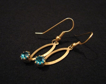Vintage Gold Tone and Aqua Teal Green Zircon Gemstone Dangle Pierced Earrings