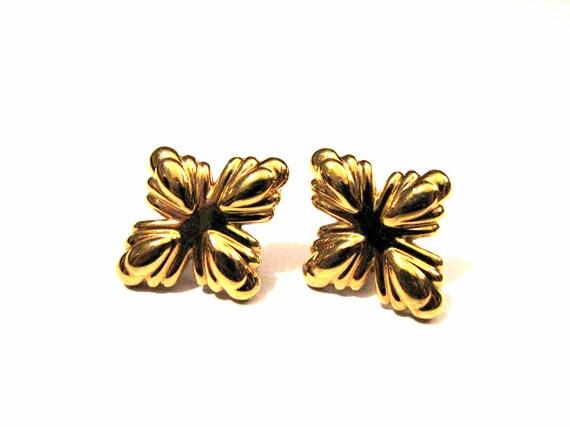 Vintage Monet Gold Tone Shield Star Flower Pierced Earrings