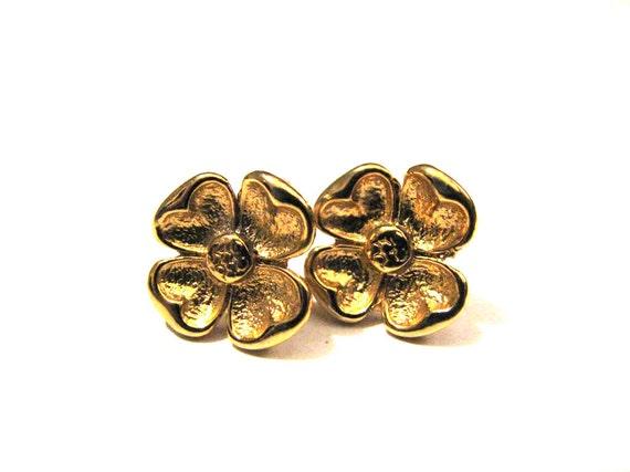 Vintage Gold Tone Poppy Hibiscus Flower Pierced Earrings