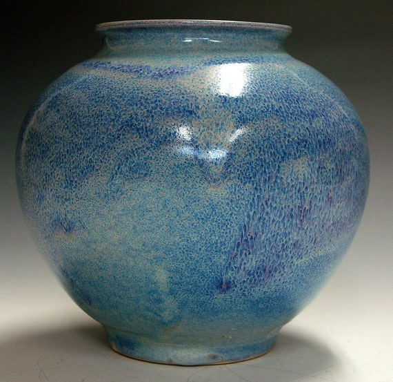Porcelain collectable vase turquois blue chun glaze