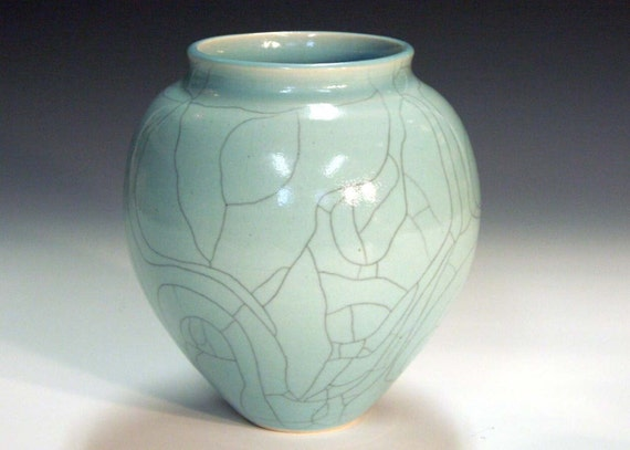 Ceramic and pottery porcelain vessel vase with crackle glaze