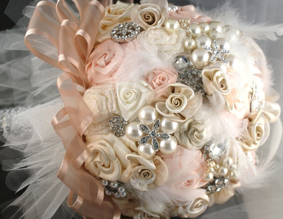 Brooch Bridal Bouquet Wedding Bouquet Jeweled in Blush Pink, Cream and Ivory