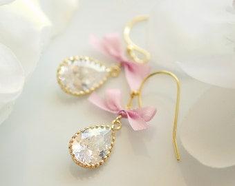 Valentine's day jewelry, valentines day earrings, Romantic jewelry, pink bow earrings, Crystal earrings, Date night earrings