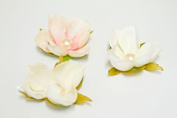 Small Magnolia Flower Hair Clip in White, Bridal Pink or Ivory