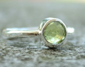 Green Peridot Ring - Brilliant ROUND Cut - Stacking Ring
