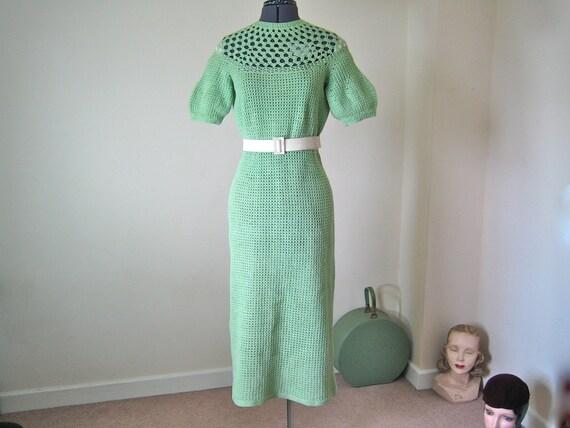 1930s dress / Mint green original 30s hand crochet cotton / size M (UK 12, US 8 approx)