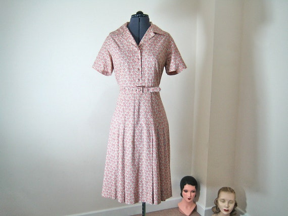 1970s dress / wonderful Liberty print - tiny flowers - in pinkish red / size L-XL