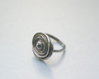 Fine Silver Ring with organically inspired medallion