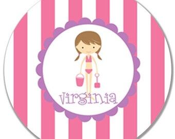 "Personalized 10"" Melamine Plate-Beach Girl (Pink/Brunette)"