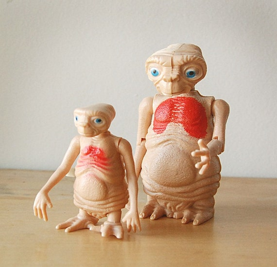 A Pair of Collectible Retro 1982 E.T. the Extraterrestrial Toy Figures.