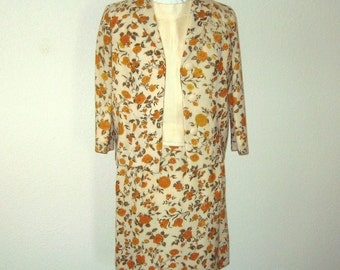 Jackie O Kennedy Style Wool Suit Yellow Roses on Ivory