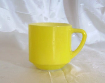 Federal Glass Coffee Mug, Lemon Yellow Stacker