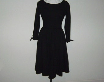 Perfect Little Black Party Dress Classic 1950s Styling Fine Wool by New York Designer Anne Fogarty, 9-10