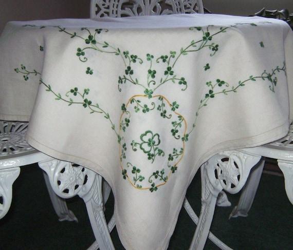 St Patrick S Day Shamrock Vintage Tablecloth By Applejar