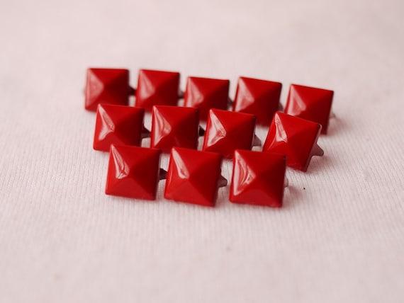 100 pcs Pyramid Metal Stud (RED) 11mm