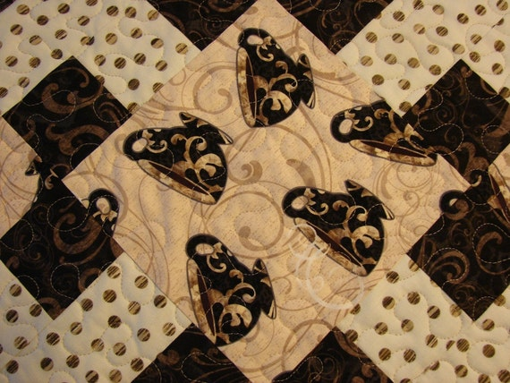 Quilted Table Runner Elegant Coffee Cups