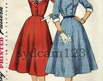 Vintage 1956 Button Front V Neck Dress w Detachable Collar and Cuffs Simplicity 1427 Bust 37