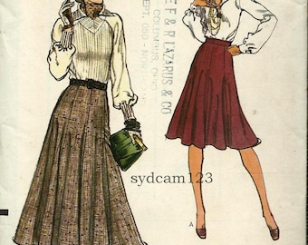 Vintage 1975 Fit and Flare Gored Skirt Two Lengths...Vogue 9085 Waist 26.5 UNCUT
