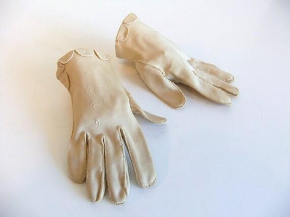 Vintage Ladies Gloves Short Wrist gloves