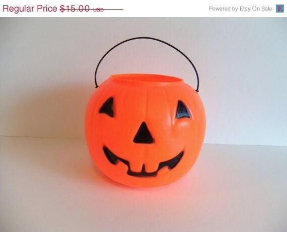 Labor Day SALE Vintage Halloween Pumpkin trick or treat basket