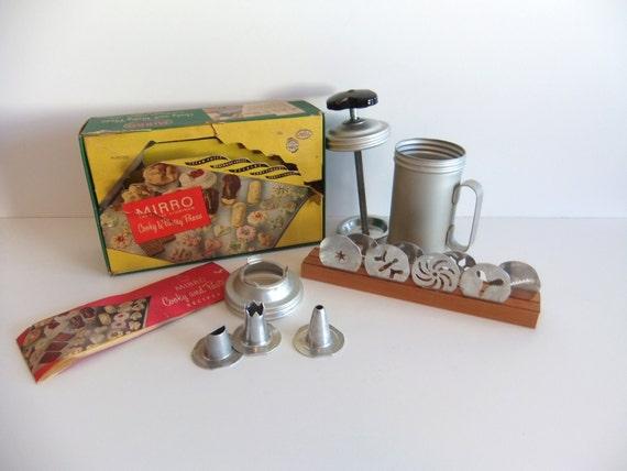 Vintage Cooky Press // Cookie Press // Mirro Press