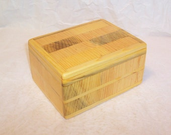 Handcrafted Reclaimed Pine Mixture Wood Box