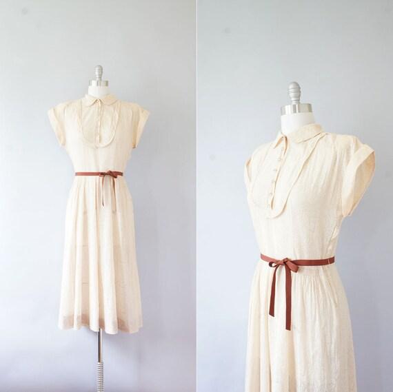 1940s dress / vintage 40s cotton print dress / Paisley
