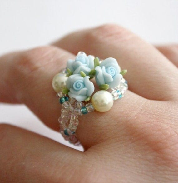 Bouquet Flower Ring - Light Blue Roses and Pearls - Size 9