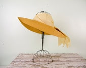 Vintage 1940s Hat / Straw Sun Hat / Open Crown / Linen Wrap & Ribbons
