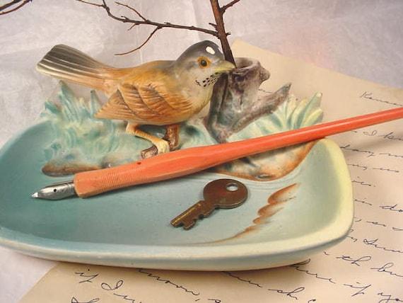 Vintage Nature Whatnot Dish with Robin. Ceramic Bird Napco Japan