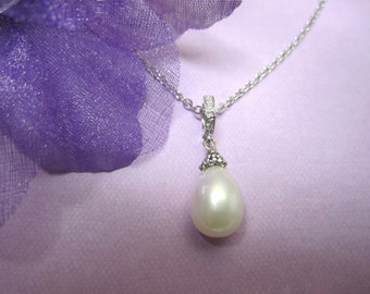 Bridal necklace...Freshwater teardrop pearl necklace for brides, bridesmaid, mothers, birthday, graduation gift