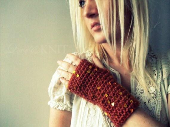 Knit Fingerless Gloves / Crochet Fingerless Gloves / Fingerless Gloves / Texting Gloves / Gift for her / Girlfriend Gift / Womens Gift Heart