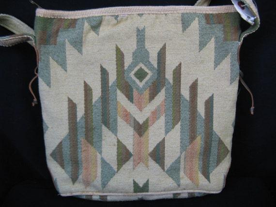 cream kilim bag. 1970's tribal carpetbag purse. new old stock.