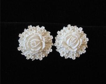 Featherlite Earrings, Wedding Cake Earrings