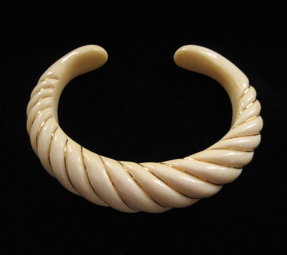 Ivory Scalloped Cuff Bracelet with 14K Wire Accents, Pre Ban