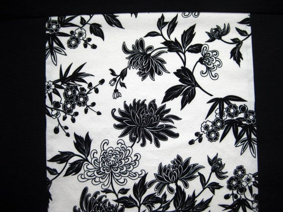 Black and White Chrysanthemum Mei Tai Baby Carrier with Black Straps