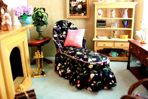 Black Floral Dollhouse Chaise