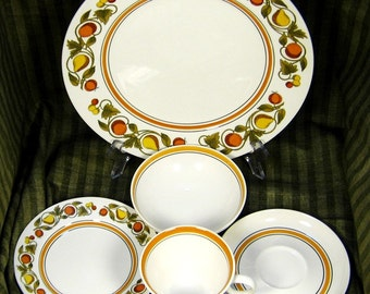 "1960s Franciscan ""Pickwick"" Interpace Dinnerware Setting: Fruit of the Earth"