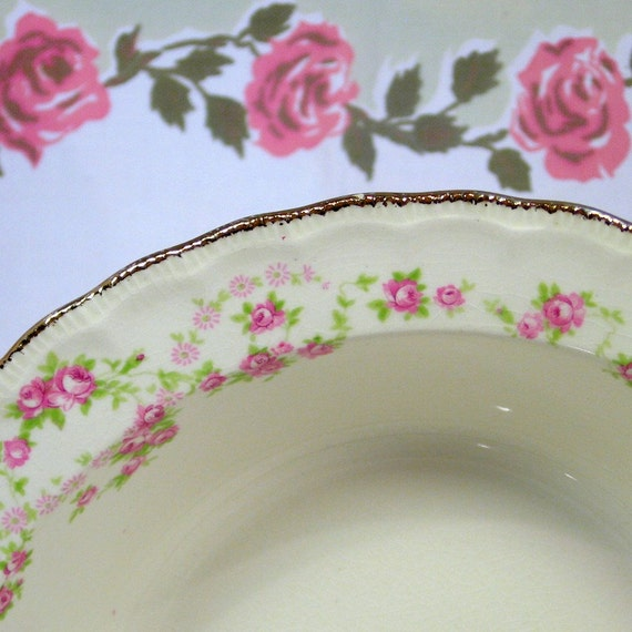 "Pope Gosser ""Florence"" Pattern Beautiful Bowls: 2 Serving Bowls & 4 Berry Bowls"