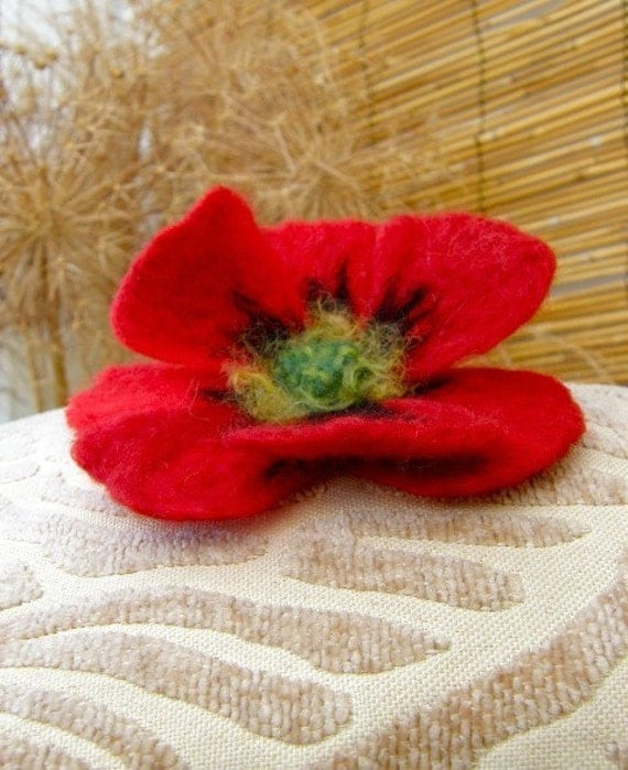 Large Red Poppy Brooch...Needle Felted Jewellery...FREE Worldwide Shipping