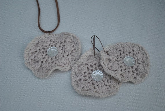Crotchet Necklace n matching earrings - Tan floral with Bling
