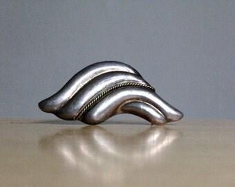 Vintage Modernist Silver Pin