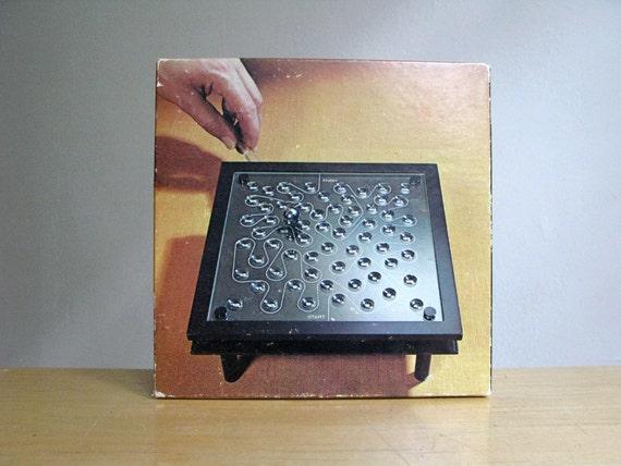 Vintage Pitfalls Magnetic Maze