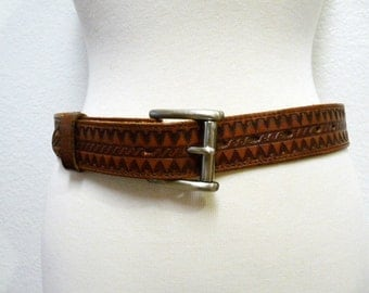 SALE 60s Tooled leather Belt Aztec TEX TAN Whiskey Brown Brass Buckled Belt Size 30 - 32