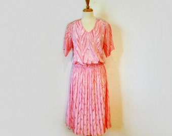 1980s Dress Pink pleated Damon Geometric print Petite Size M/L
